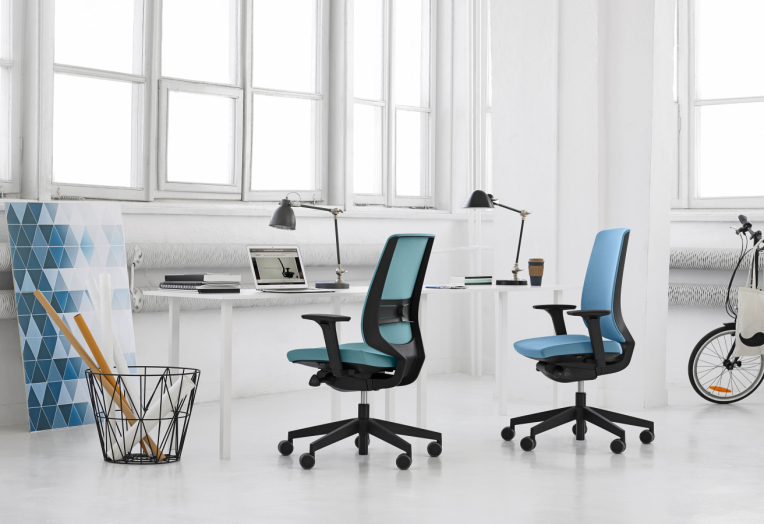 COMFORTABLE OFFICE CHAIRS AND OFFICE DESKS